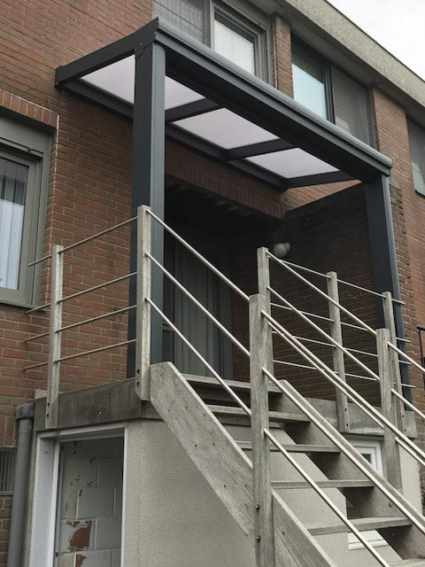 Pergola boven trap aluminium foto jja